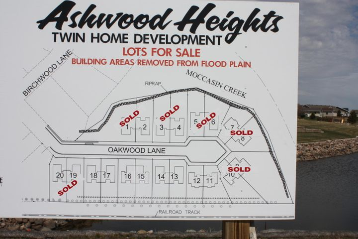 Exclusive twin home sites in Ashwood Heights. Call Larry at 605-380-2676 for all the details. Only 4 sites remaining.
