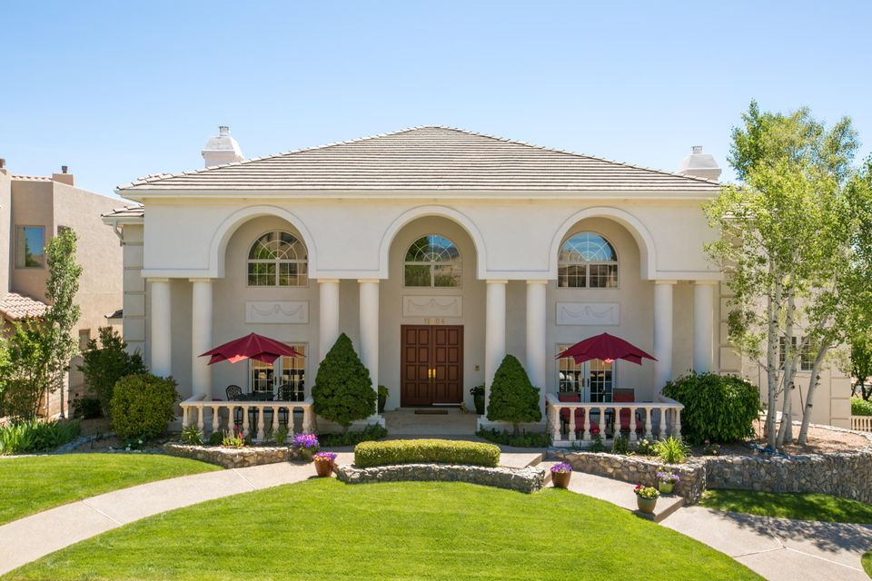 Exquisitely Appointed PREMIER Custom Home!Located in the highly desired upscale Multi-Million Dollar Sauvignon Gated Community;This Executive Luxury Family Estate is located on an elevated Premium Golf course view lot-showcasing sweeping MTN&City views!With 8000 SF of Sophisticated living,this dream home delivers a warm & inviting open floorplan while providing finest quality of craftsmanship.Featuring comfortable living & dining areas,media entertainment level,dramatic 20'raised ceiling w/rich crown moldings,picturesque windows,wood accents,oak hardwood&travertine flooring.Delight in the prof gourmet kitchen-your wish list met! Grand Master-Ste is complimented by soothing spa-like bath&elite closet.Beautifully landscaped BKYD-propels you to tranquil oasis-makes this bkyd a lavish retreat!