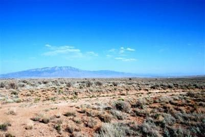 Half Acre of Rio Rancho land north of City Center and East of Unser.