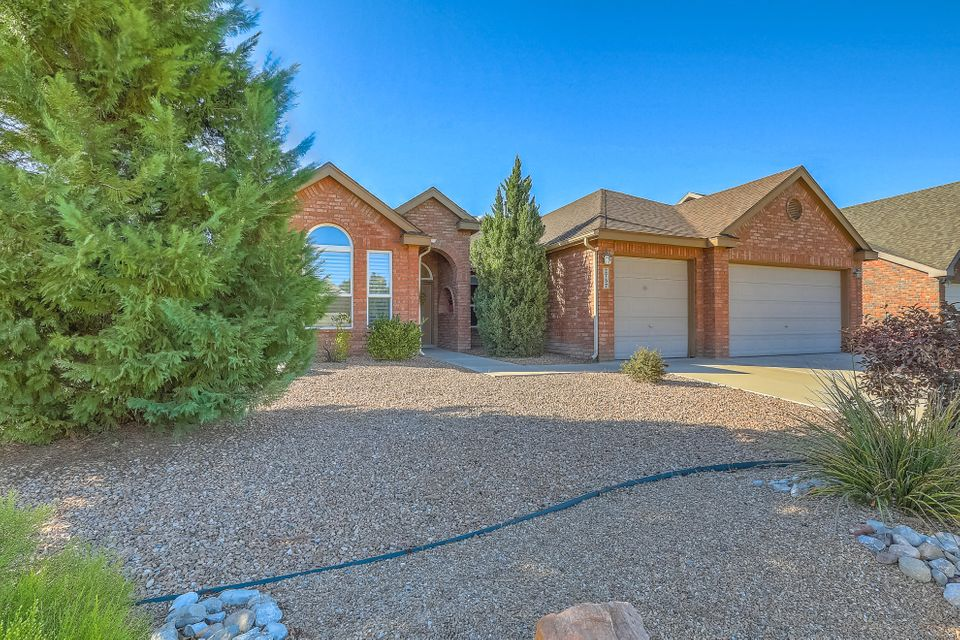 Price Improved! Spectacular opportunity! This gorgeous single story, one owner home has been immaculately maintained and is ready for you!!! Located in a lovely gated community on a private cul-de-sac this home is a must see! Terrific floor plan with a formal living/dining area; a huge chef's kitchen with granite countertops and lots of storage; another living/den area with wet bar and cozy fireplace; a large master suite with separate shower, jetted tub and huge walk-in closet; a 2nd master suite with a 3/4 private bath; 2 other nice sized bedrooms and another full bath. 3 car garage and beautifully landscaped front and back yards just add to the amazing value of this home! Don't wait come see it today!!!