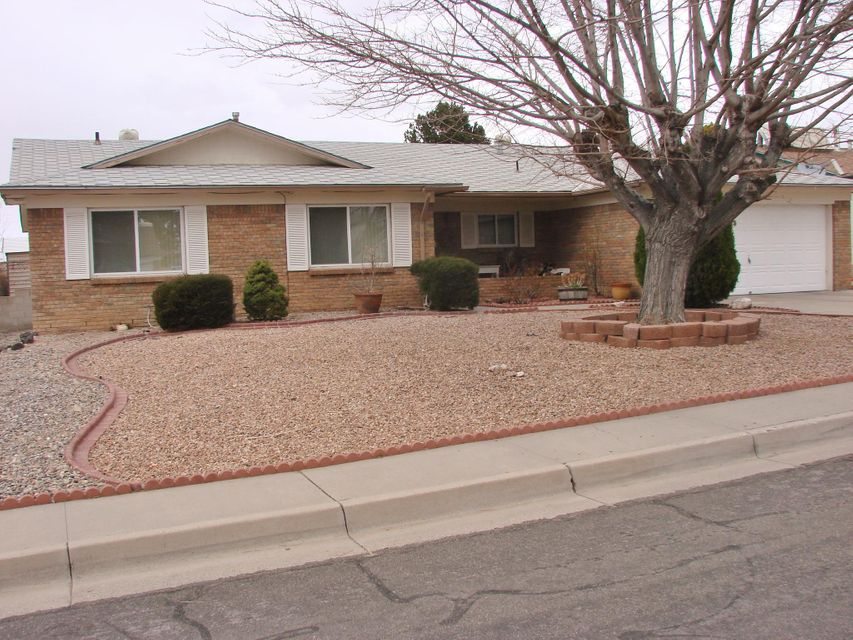 3821 Madrid Drive, Albuquerque NM 87111