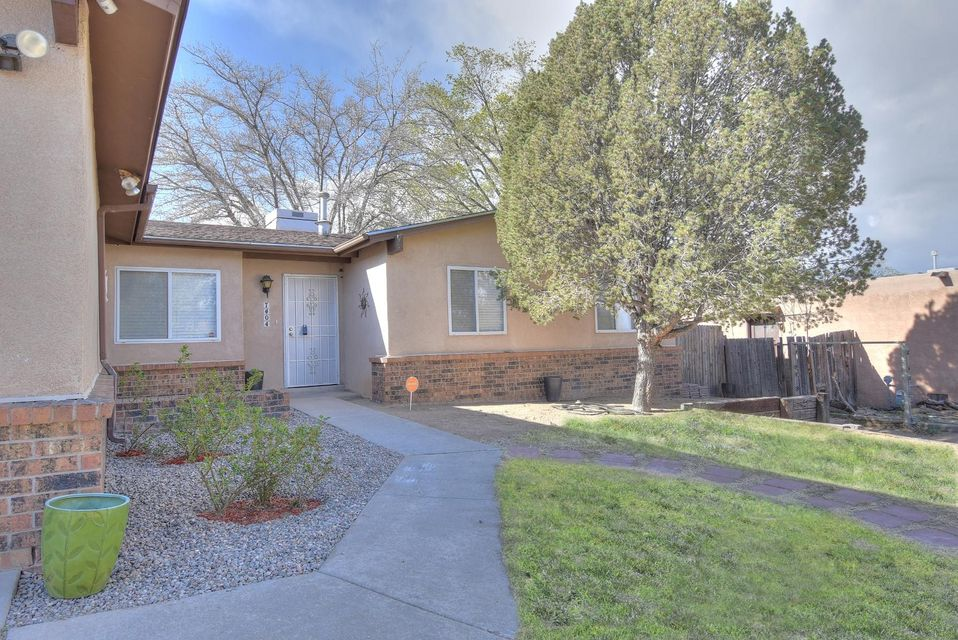 7404 San Francisco Road, Albuquerque NM 87109