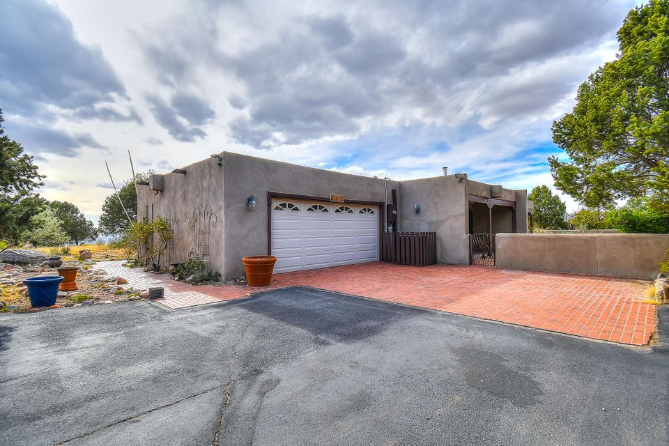 1455 Bluebell Drive, Albuquerque NM 87122