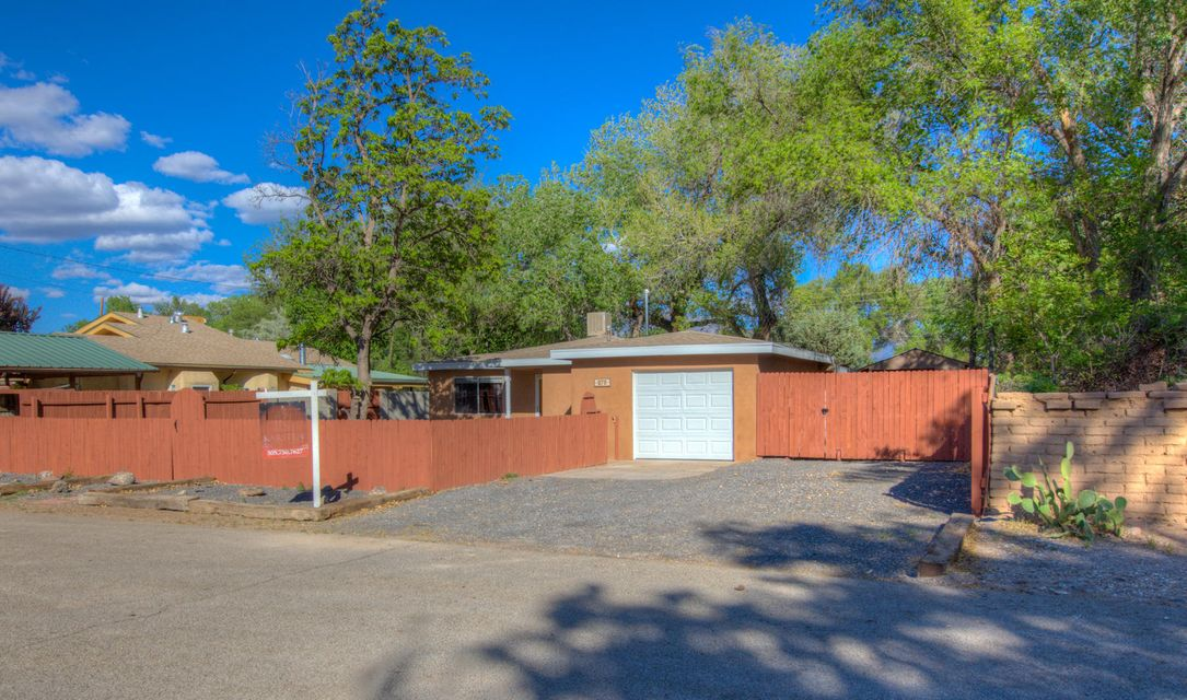 70 Priestly Place, Corrales NM 87048