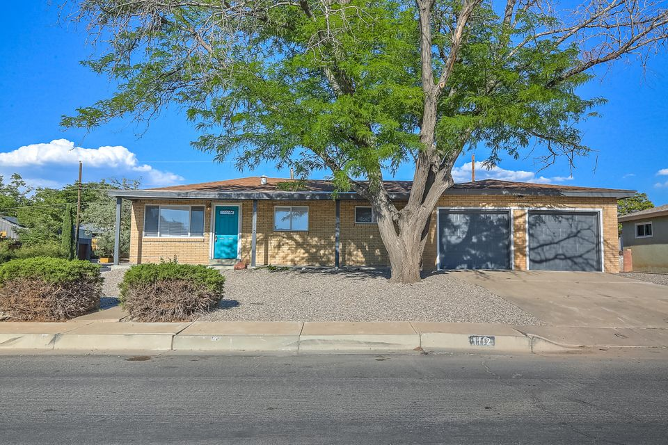 1112 Arizona Street, Albuquerque NM 87110