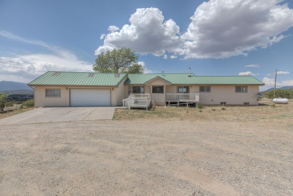208 Vallecitos Road, Tijeras NM 87059