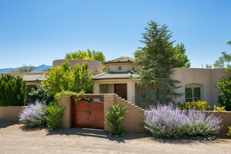 178 Loma Del Oro Albuquerque Home Listings - Sandi Pressley Real Estate
