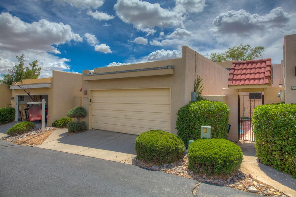 505 Pinon Creek Road, Albuquerque NM 87123