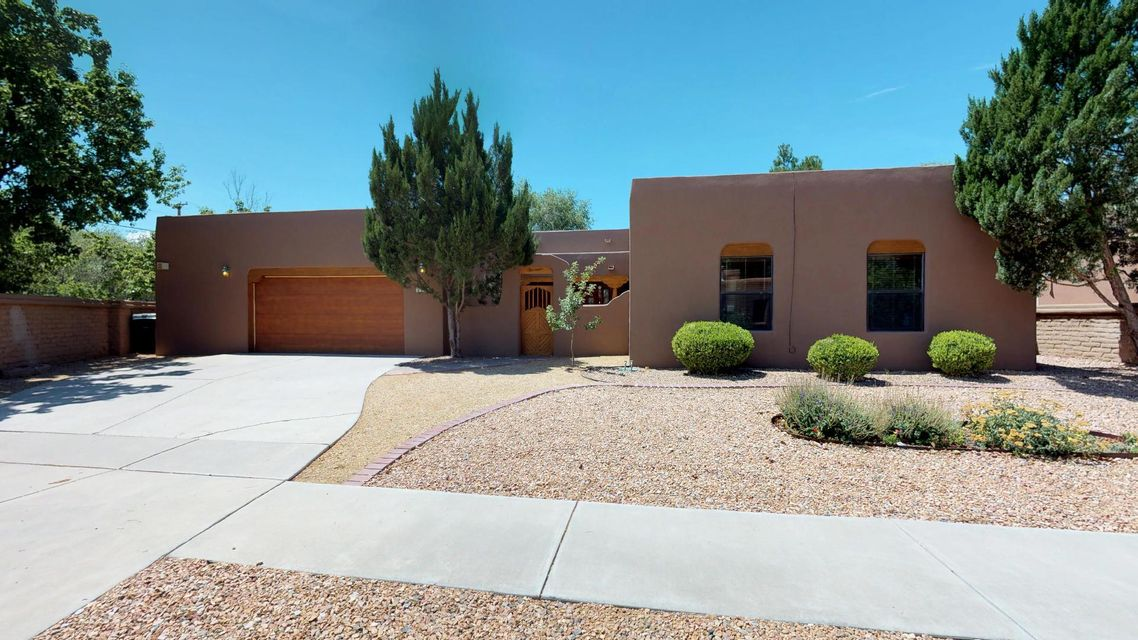 2400 Kestrel Court, Albuquerque NM 87107