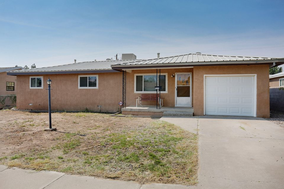 What a great opportunity! This beautiful home in Belen includes two spacious living areas along with a heated flex room for entertaining! The bedrooms features hardwood flooring and the master has a sitting area for a possible 4th bedroom. Master bath includes ample counter space! This home includes skylights in the kitchen and flex area providing lighting along with wood accents around the windows that have a transferable warranty. The backyard includes a back access as well as a deck for a great sitting area. Close to I-25!. Call now to find out how to make this home yours today!