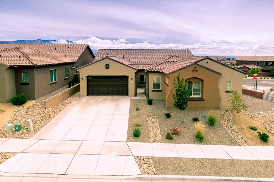 Pulte at its best, built in 2016 this 4bed/4bath has it all. Views, mother in law quarters, covered patio, private courtyard and maintenance free yard. Soaring ceilings, open  flexible floor plan is light and bright and like new. Kitchen has executive cabinets, granite counters, breakfast nook with bay window and large walk in pantry. Views can be enjoyed from all main living areas of the home. Master has backyard access and bath has large walk in shower. Corner lot with no home behind.