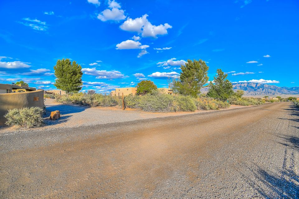 1079 Sagebrush Drive, Corrales NM 87048