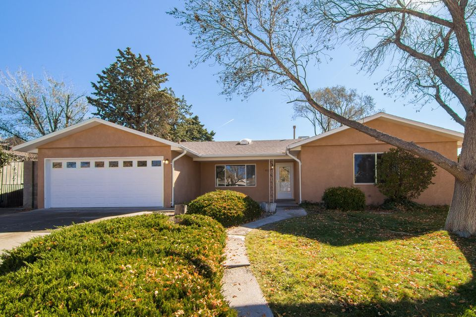 4526 Oahu Drive, Albuquerque NM 87111