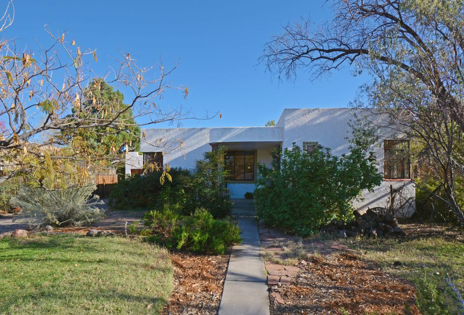 430 Tulane Place, Albuquerque NM 87106