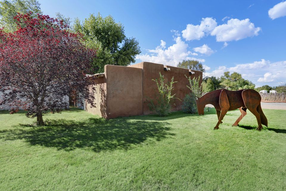 7617 Guadalupe Trail, Los Ranchos NM 87107