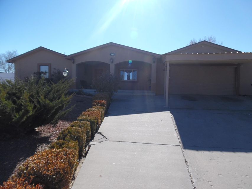 Home completely remodeled 4 years ago, with beautiful granite countertops, solid wood cabinets, and hardwood floors. Brand new stucco on sides and back of home, along with a brand new HVAC system installed in November 2018. The open floor plan, with large den and spacious bedrooms makes living easy in this home. Don't miss out on this gem! Schedule your showing today!