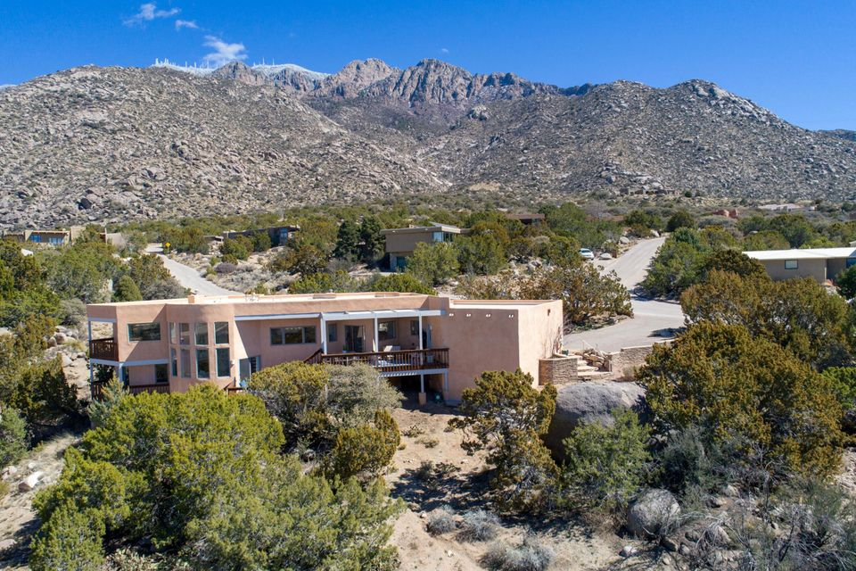 17 Juniper Hill Loop NE Albuquerque Home Listings - Sandi Pressley Real Estate