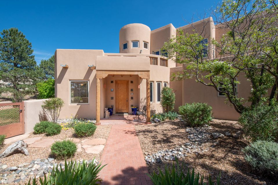 8600 Florence Avenue NE Albuquerque Home Listings - Sandi Pressley Real Estate