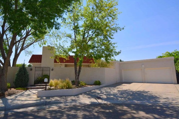 3132 La Ronda Place, Albuquerque, NM 87110