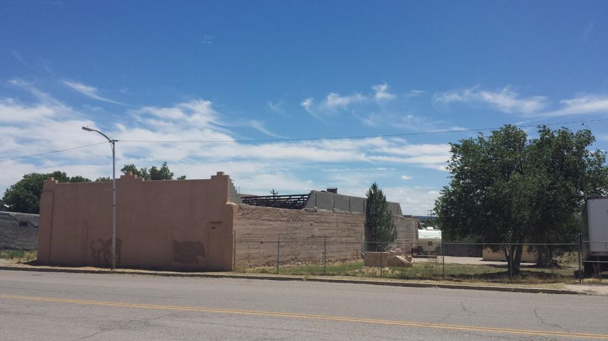 108 E Broadway Street, Mountainair, NM 87036