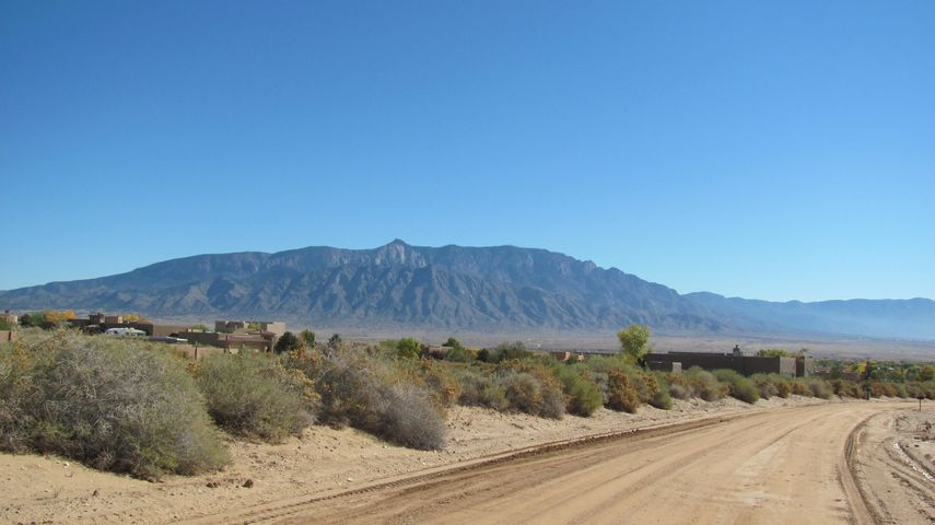 Rio Oso Road NE, Rio Rancho, NM 87144