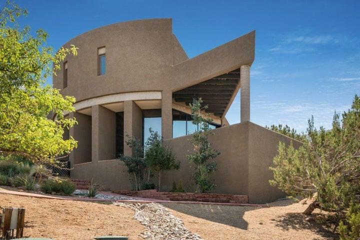 250 Spring Creek Place NE, Albuquerque, NM 87122