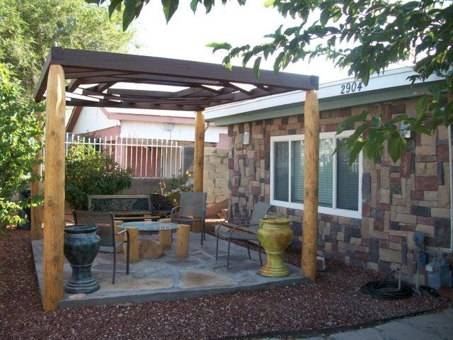 2904 Topeka Street, Albuquerque, NM 87102