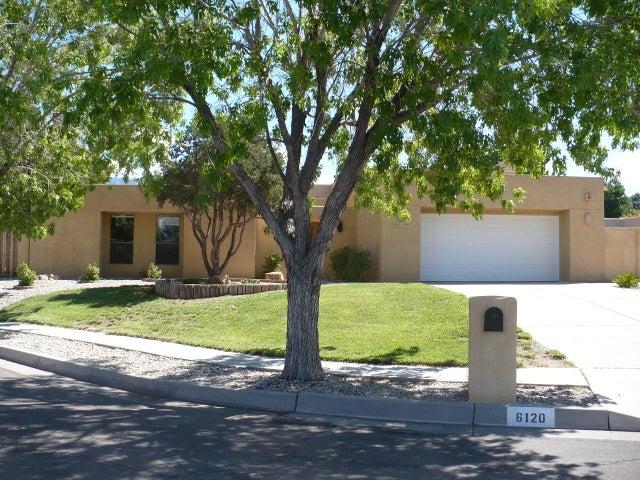 6120 Casa Feliz NE, Albuquerque, NM 87111