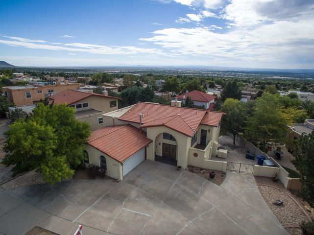 1009 Rocky Point Court NE, Albuquerque, NM 87123