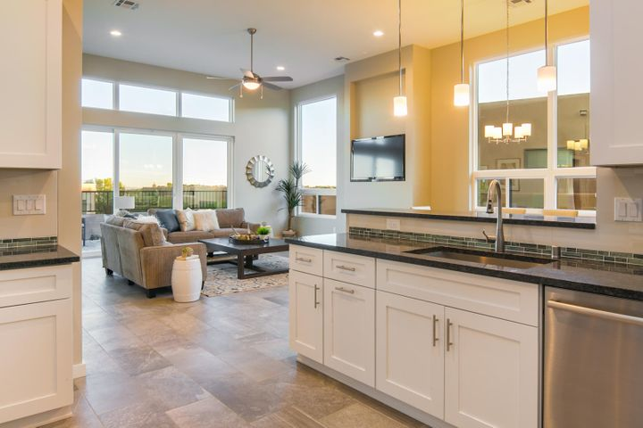 66 WIND Road NW, Albuquerque, NM 87120