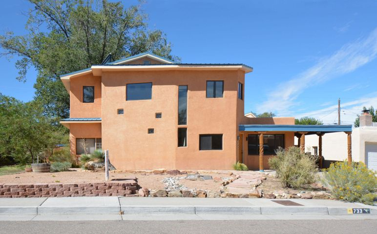 733 Wellesley Drive NE, Albuquerque, NM 87106