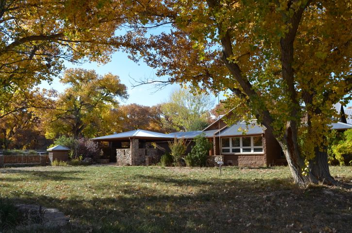 1845 Lillie Drive, Bosque Farms, NM 87068