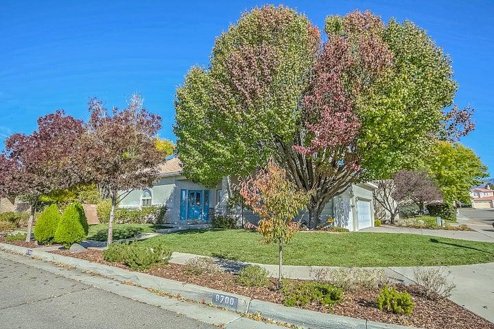 8700 Tierra Alegre Drive NE, Albuquerque, NM 87122