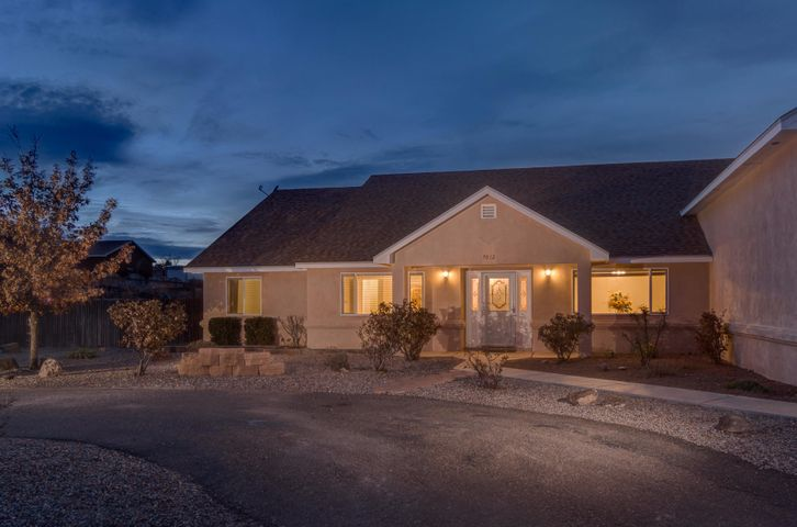 7012 Chapingo Road NE, Rio Rancho, NM 87144