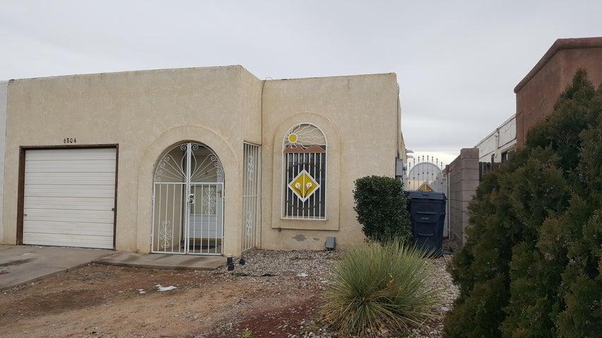 6804 Ivy Place SW, Albuquerque, NM 87121