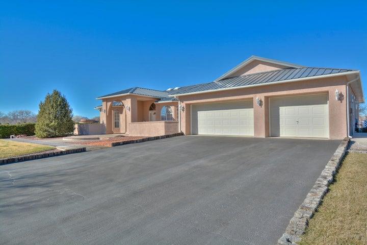 15 Hob Road, Los Lunas, NM 87031