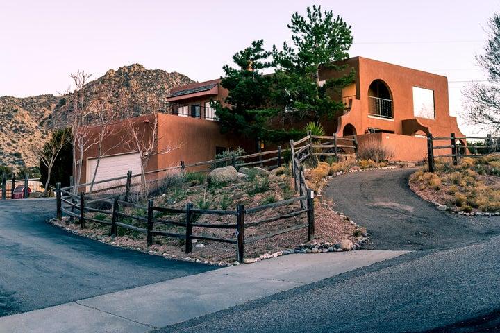 15 Caballo De Fuerza Road, Albuquerque, NM 87123