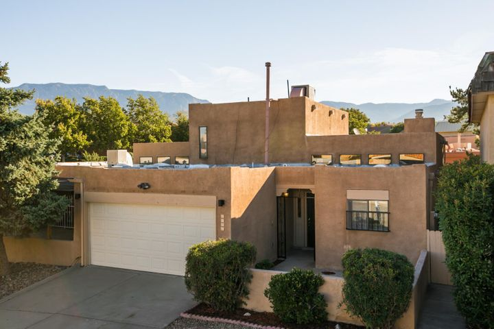 5004 Oso Grande Court NE, Albuquerque, NM 87111