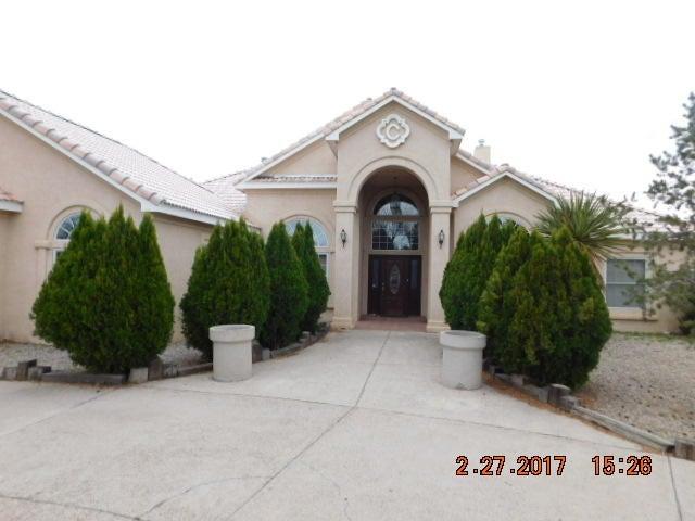 530 Camino Del Bosque NW, Albuquerque, NM 87114