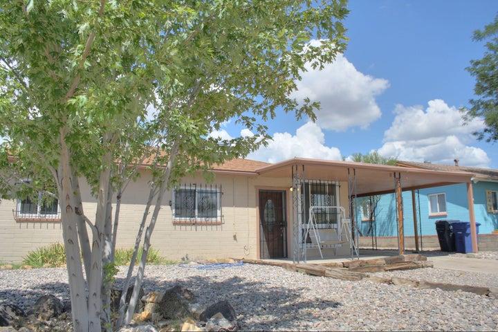 9015 Claremont Avenue NE, Albuquerque, NM 87112