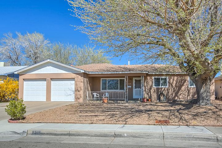 Across from Snowheights Park at Moon and Indian School .Convenient Location