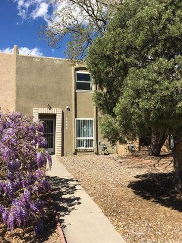 4507 Overland Street NE, Albuquerque, NM 87109