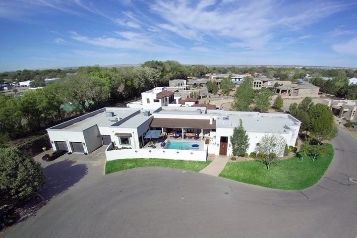 304 Nuevo Hacienda Lane NW, Los Ranchos, NM 87107