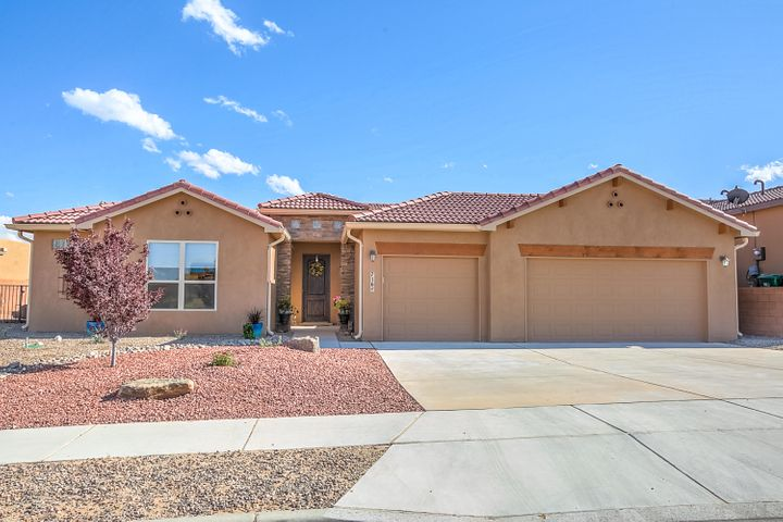 716 Tiwa Lane NE, Rio Rancho, NM 87124