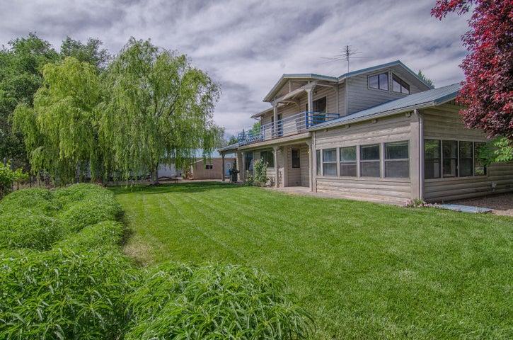 980 Bosque Farms Boulevard, Bosque Farms, NM 87068