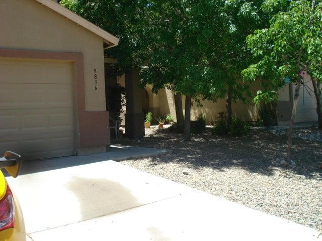 9836 SW Pinot Noir Avenue SW, Albuquerque, NM 87121