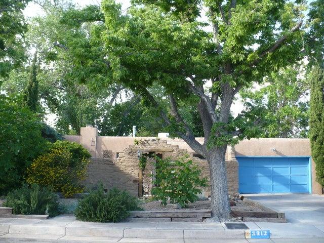 3813 Mackland Avenue NE, Albuquerque, NM 87110