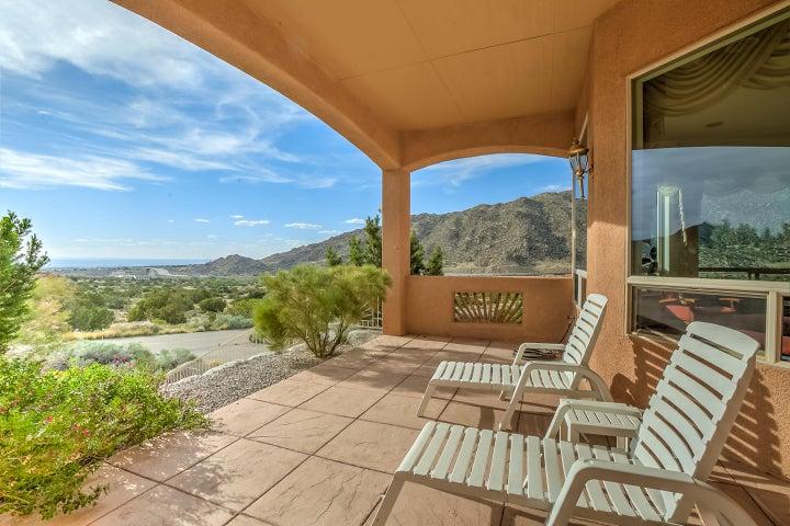 43 Desert Sky Road SE, Albuquerque, NM 87123