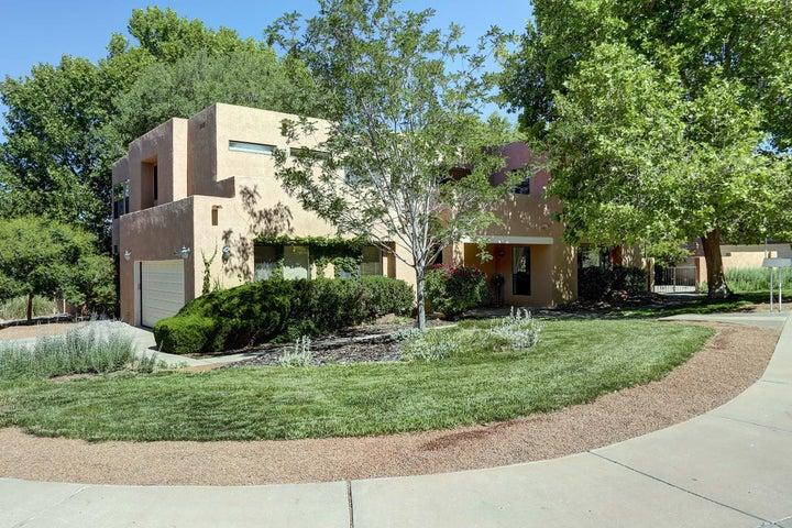 9305 Tanoan Drive NE, Albuquerque, NM 87111