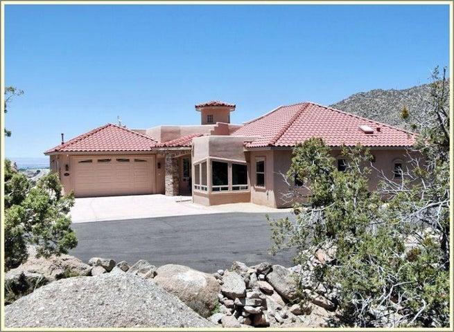 26 Desert Sky Road SE, Albuquerque, NM 87123